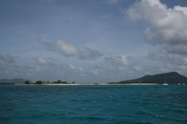 Så har vi lämnat Trinidad och tagit oss till vackra Sandy Island