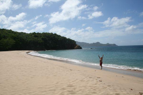 Härlig strand Saline beach på Mayreau